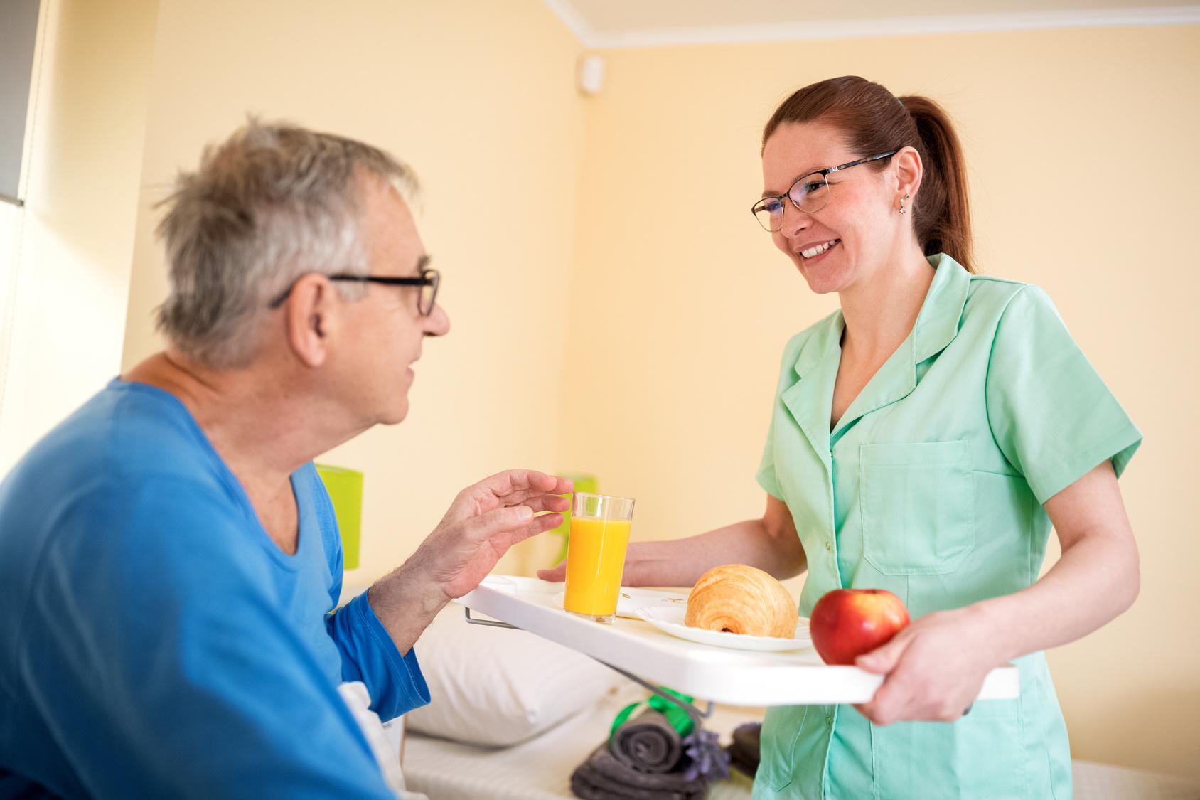 Caregiver-Meal-Preparation-Senior