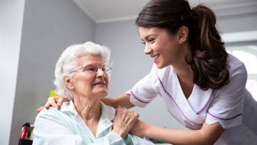 7 Signs Your Aging Loved Ones Need Home Care