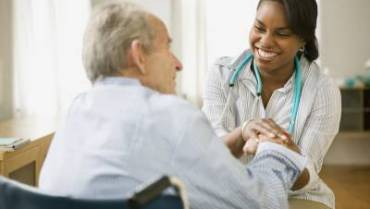 How to Treat and Prevent the Flu in Seniors