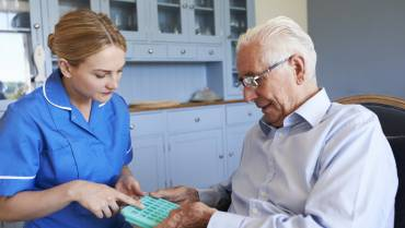Medication Reminder Tips for Seniors from Caregivers