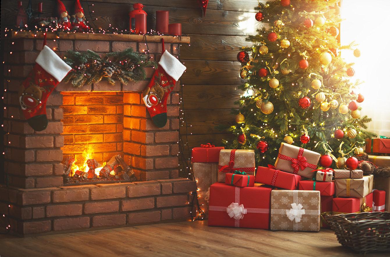 Christmas-Tree-Fireplace-Gifts