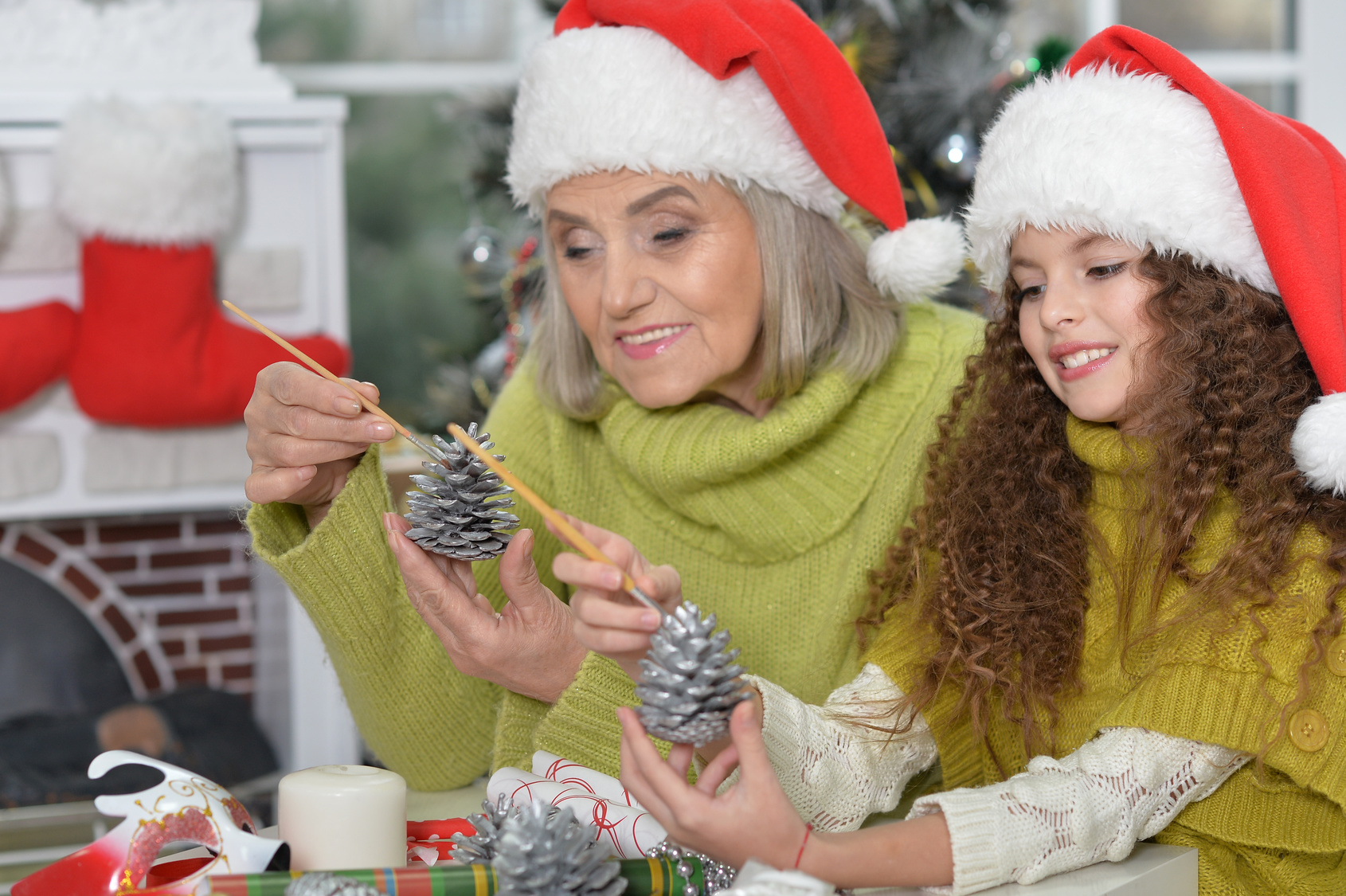 Holiday-Craft-Making-Grandmother-Grandaughter