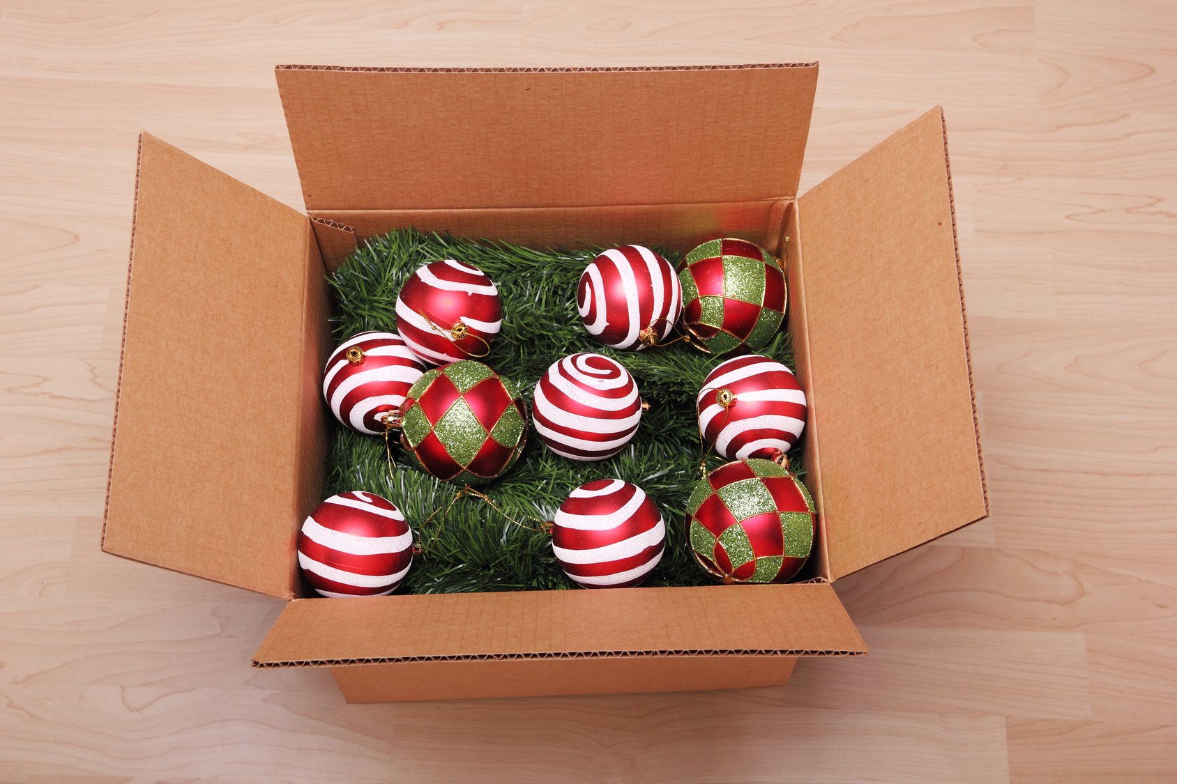 Holiday-Decorations-in-Box
