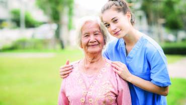 8 Benefits of In-Home Care vs. Facility options