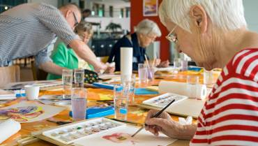 5 Benefits of Art Therapy for Seniors